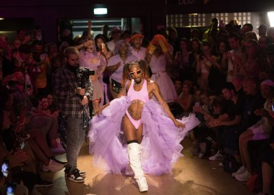 Exposition – VOGUING: WELCOME TO THE BALL